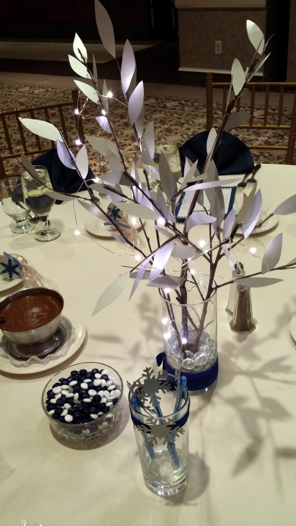 Centerpiece - silver leaves